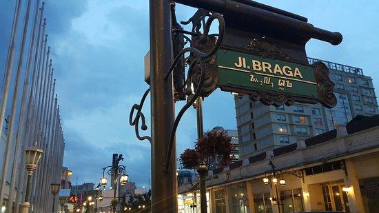 Foto : Jalan Braga / BeritaBandung,id