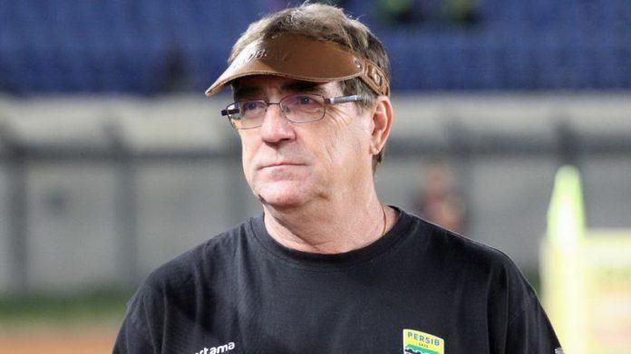 Pelatih Persib Bandung, Robert Rene Alberts. (Persib)