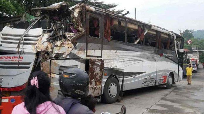 kecelakaan maut bus pariwisata Sri Padma Kencana. (Twitter)