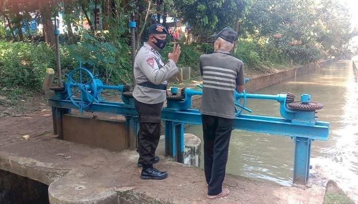Antisipasi Banjir, Satuan Brimob Polda Jabar Instruksikan Pantau Debit Air