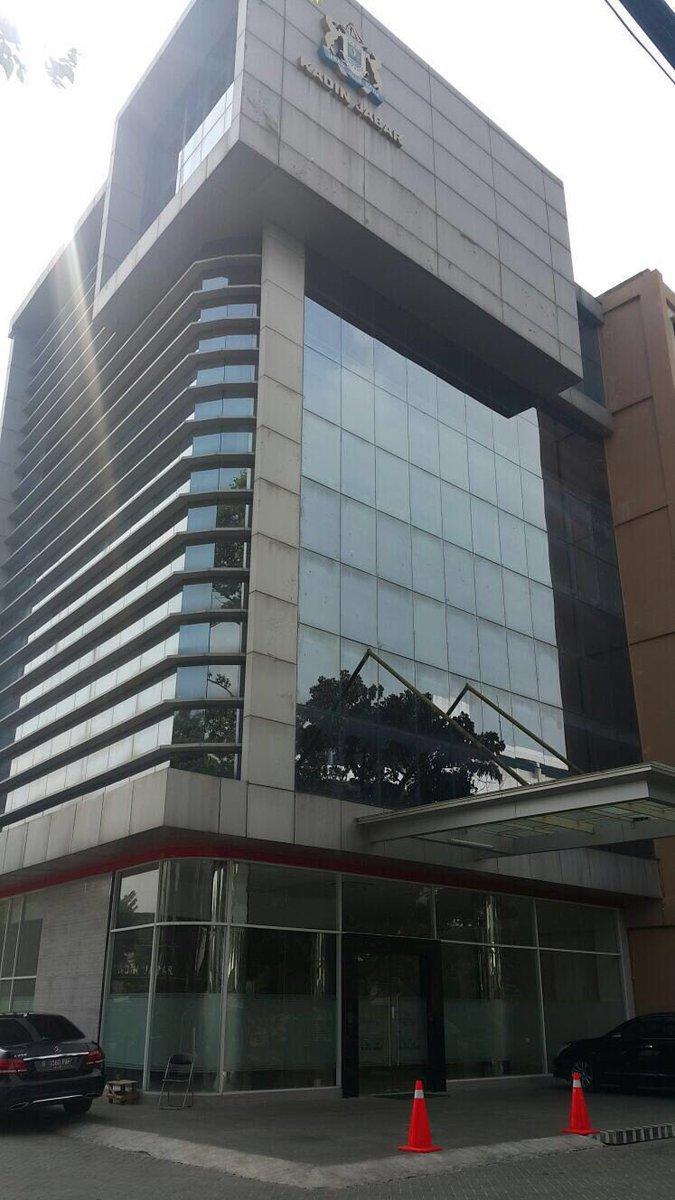Tampak Depan Gedung Kadin. (Foto : Riandy Hidayat - BeritaBandung.id)