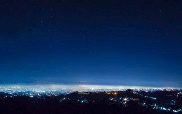 Langit Kota Bandung. (Foto : Riandy Hidayat / BeritaBandung.id)