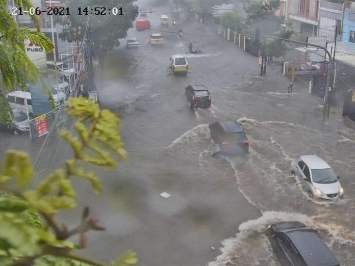26 ruas jalan di Kota Bandung sempat terendam banjir (Foto: Istimewa)