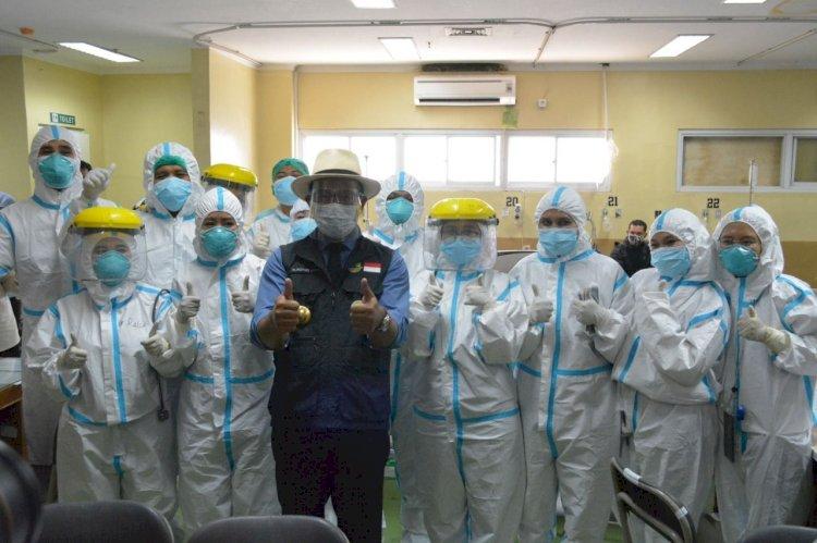 Terima Bantuan Suplemen Kesehatan, Gubernur Jabar Prioritaskan Nakes Zona Merah