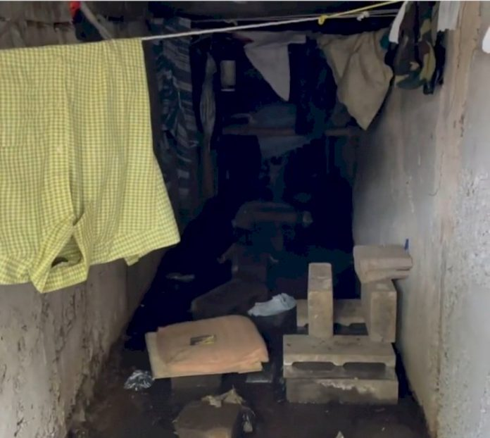 Ditemukan Baju, kasur hingga pakaian dalam drainase di Bandung (Instagram)